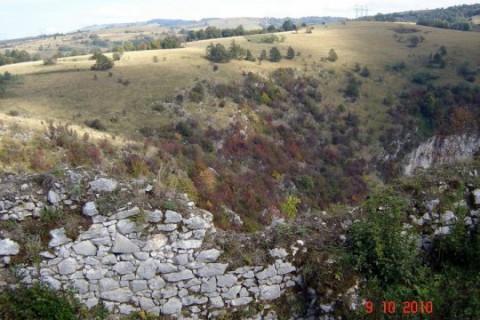 FOTO: Mircea Rusnac – Excursie istorico-turistică la Cetatea Caraşova